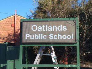 P8-1.67m x0.7m-outdoorledsign-oatlands-public-school